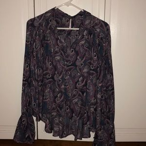 Long sleeves paisley blouse